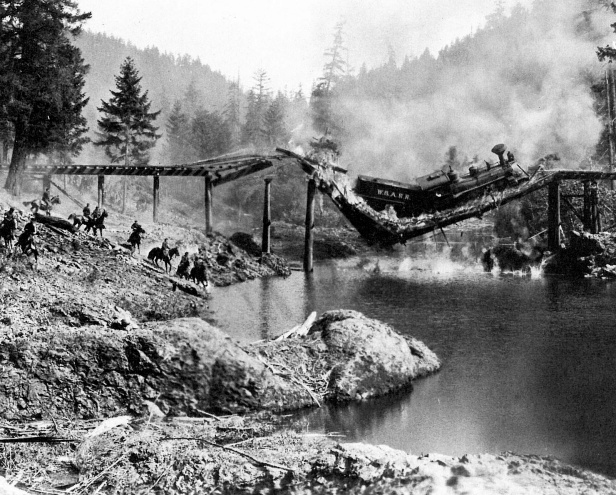 Photo de la chute de la locomotive