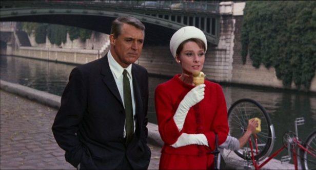 Photo Cary Grant et Audrey Hepburn près de la Seine